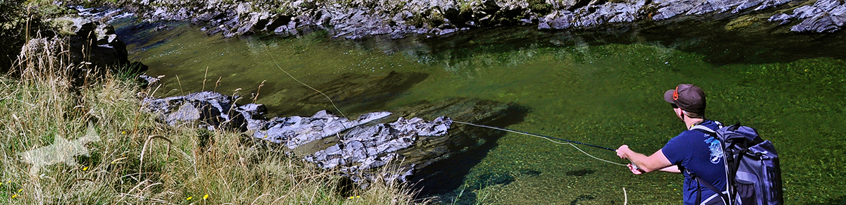 Uwe Mueller fishing an Otago highcountry river (photo by Casey Cravens)